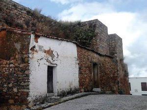 2.-Lienzo-norte-y-torre-semicircular-